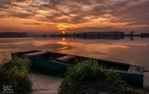 Rdeči sončni zahod, Trojiško jezero
