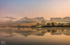 Jutranja megla v jutranjem soncu; Perniško jezero