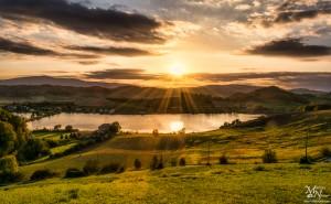 Večerna sončna zvezda, Perniško jezero
