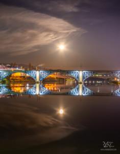 Pod polno luno, Maribor