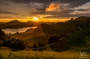 Sončna zvezda v sončnem zahodu, Perniško jezero