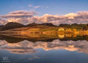 V večernem soncu, Perniško jezero