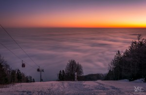 Jutranji pogled izpod Bellevueja na zamegljeni Maribor