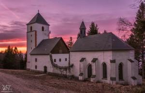 Bolfenška cerkev v sončnem zahodu