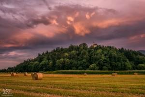 Barve sončnega zahoda, Pekrska gorca