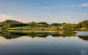 Sončen dan - Perniško jezero z odsevom