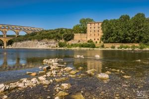 Ob reki Gardon, pri akvaduktu Pont du Gard
