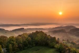 Jesenski sončni vzhod, pogled s Plačkega stolpa